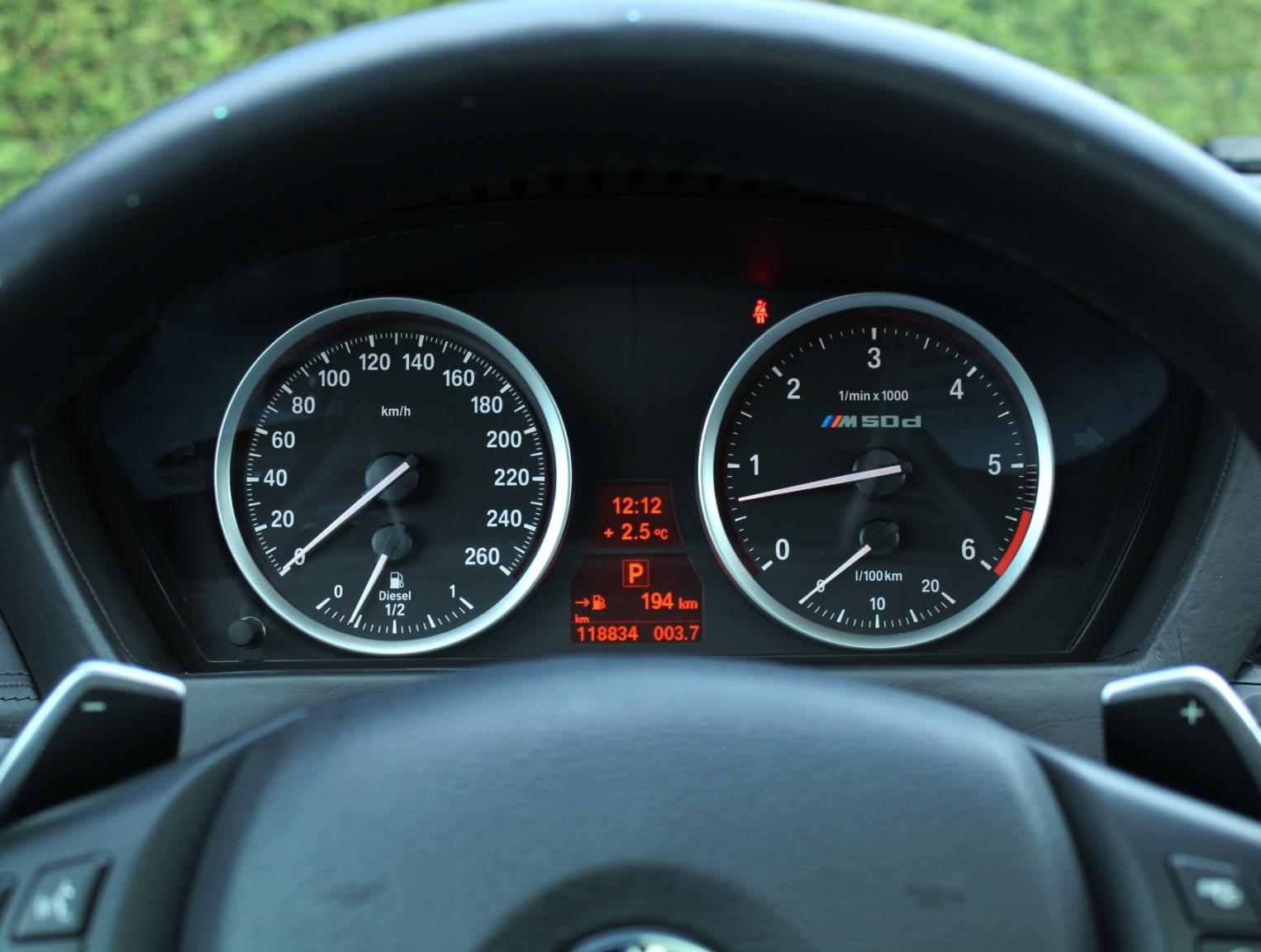 BMW-X6-19