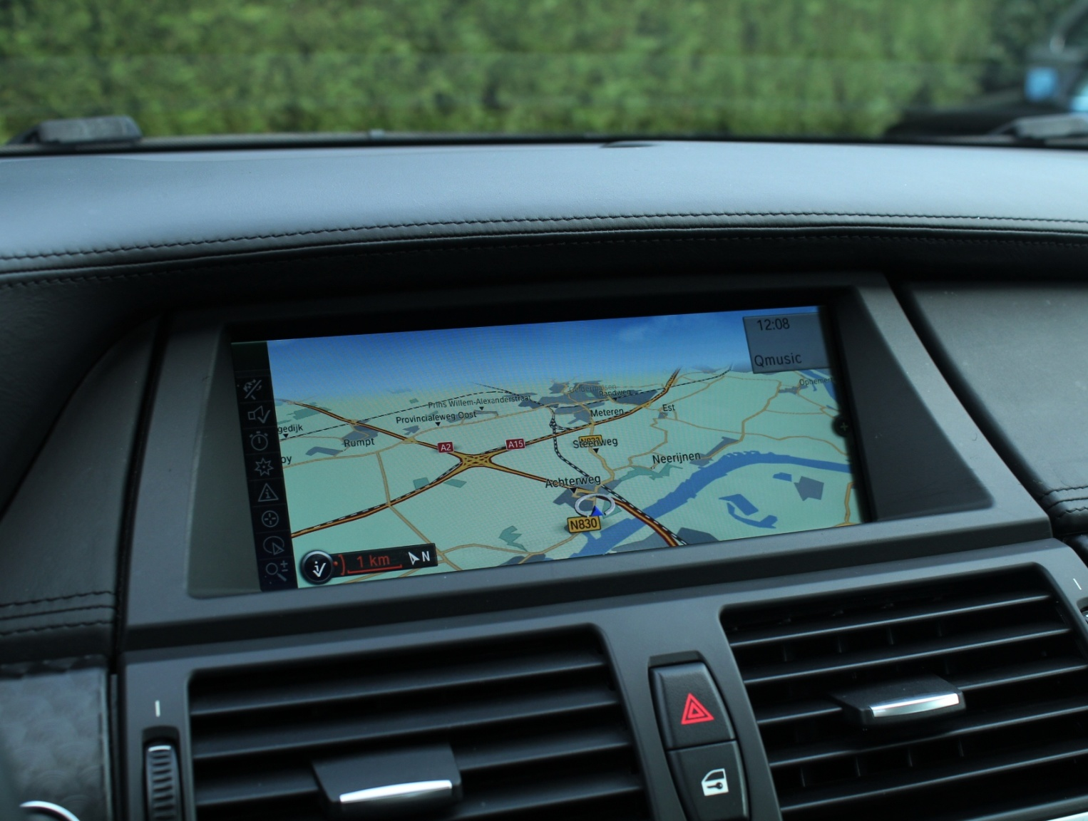 BMW-X6-11