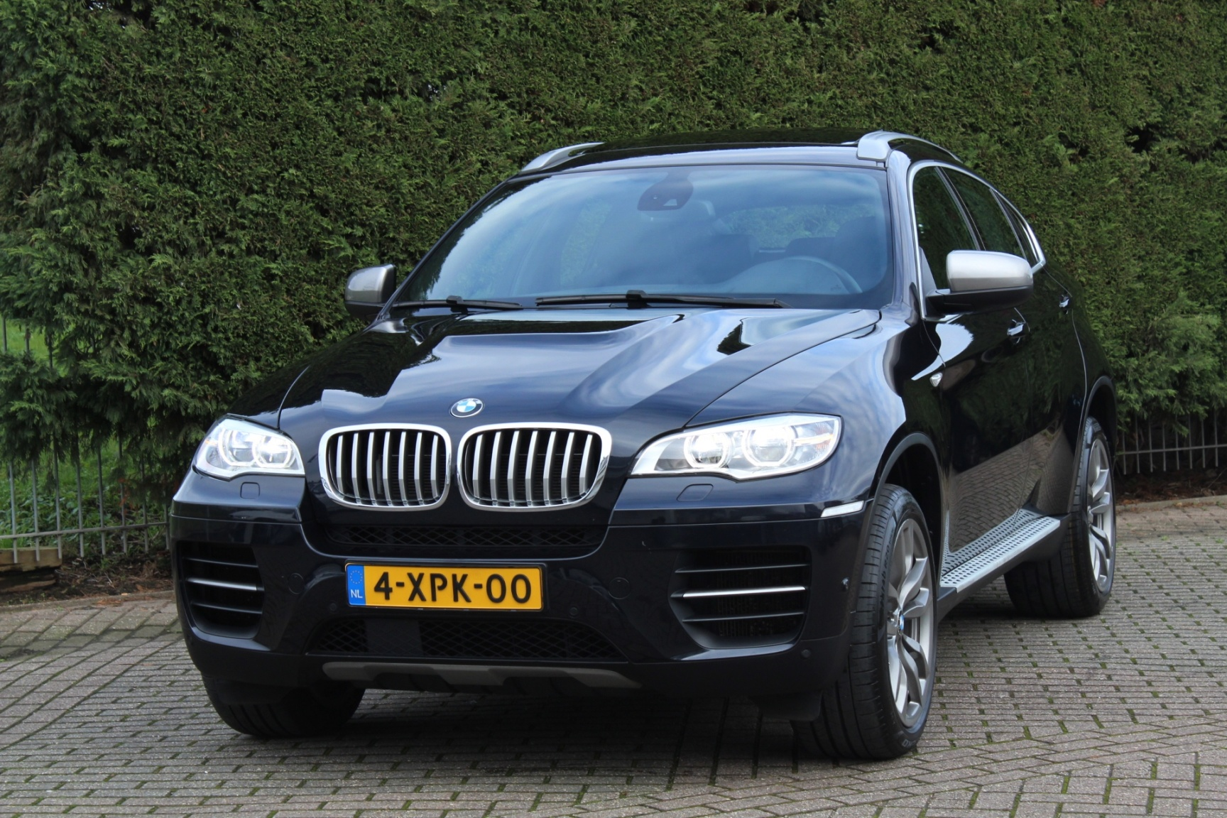 BMW-X6-5