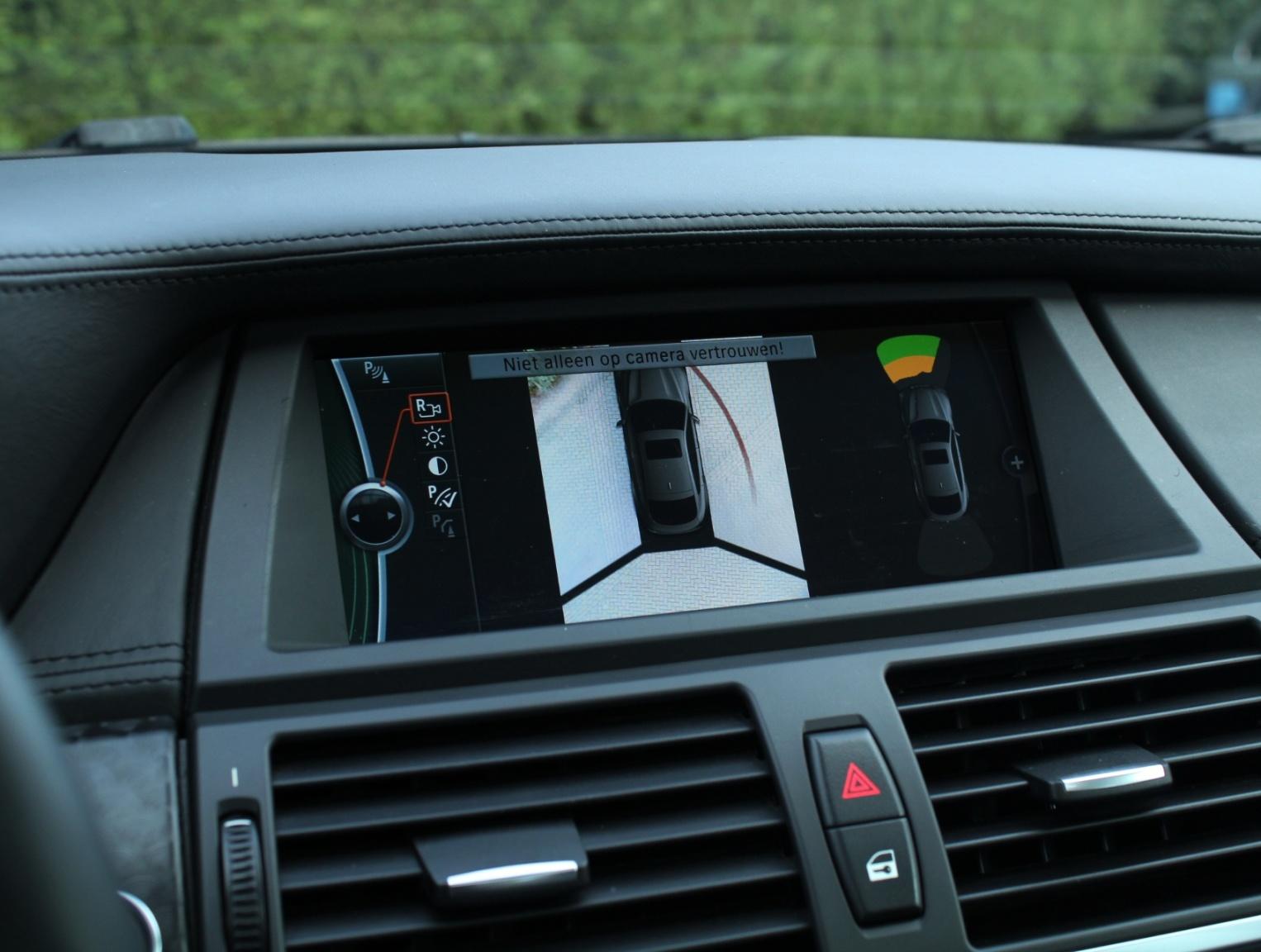 BMW-X6-14